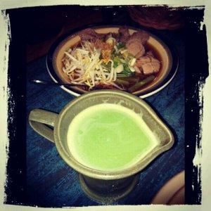 Kway Teow Neua and Thai Green Tea
